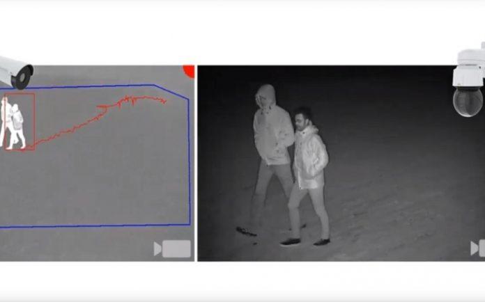 Nová aplikace Axis umožňuje kombinací dvou kamer detekovat a automaticky sledovat narušitele